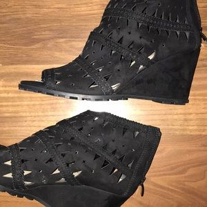 Via spiga black cut out leather booties 6